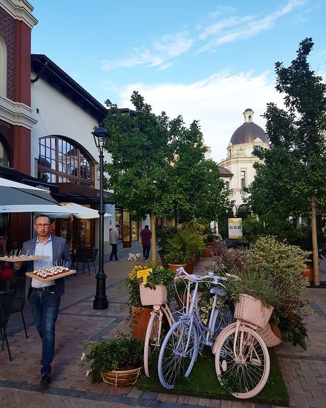 fidenza-village-bici-aperitivo-min